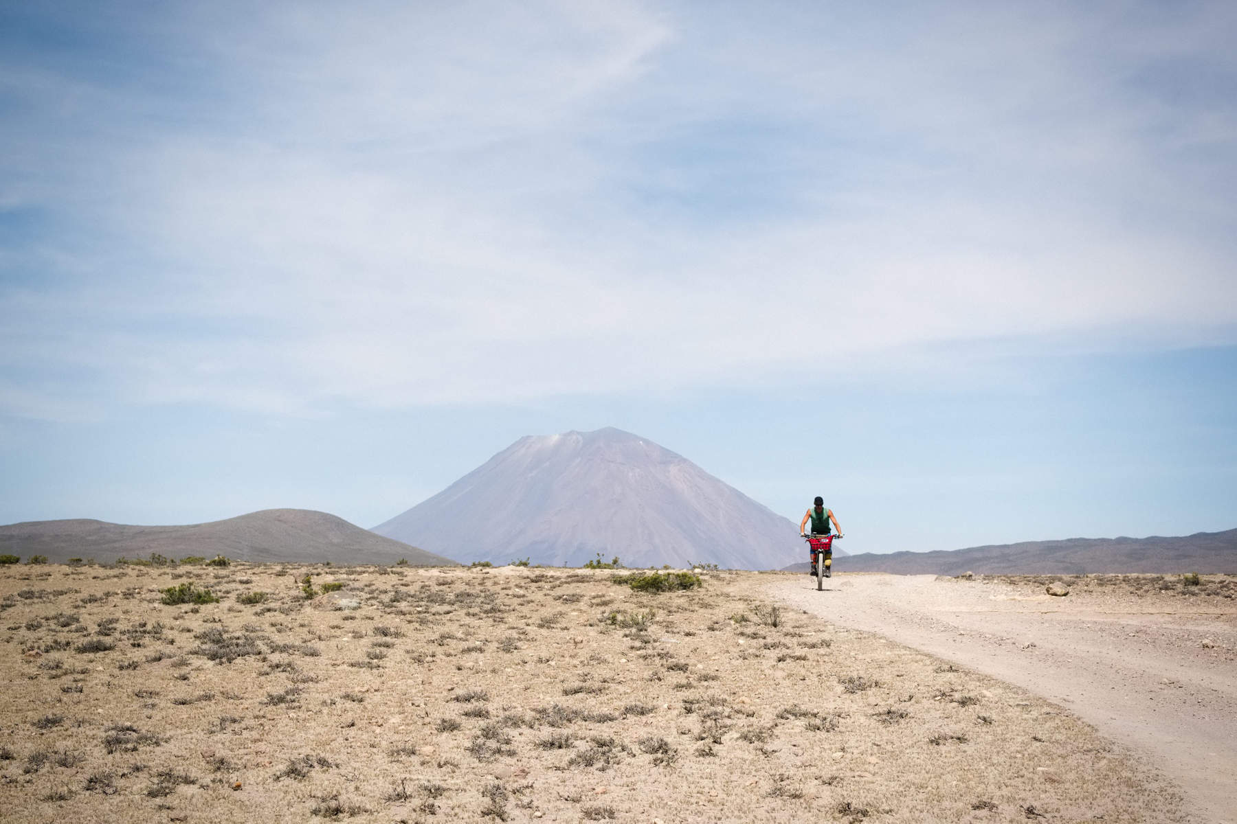 dirt road cycle touring in Peru