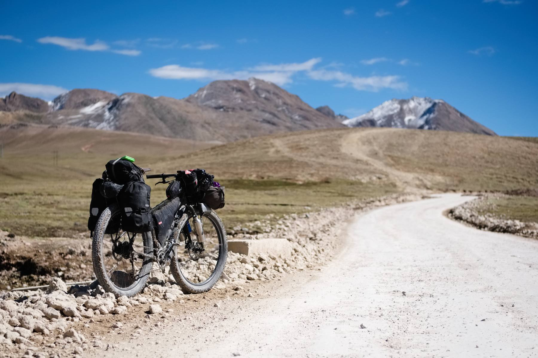 cycling to the pass at 4700m